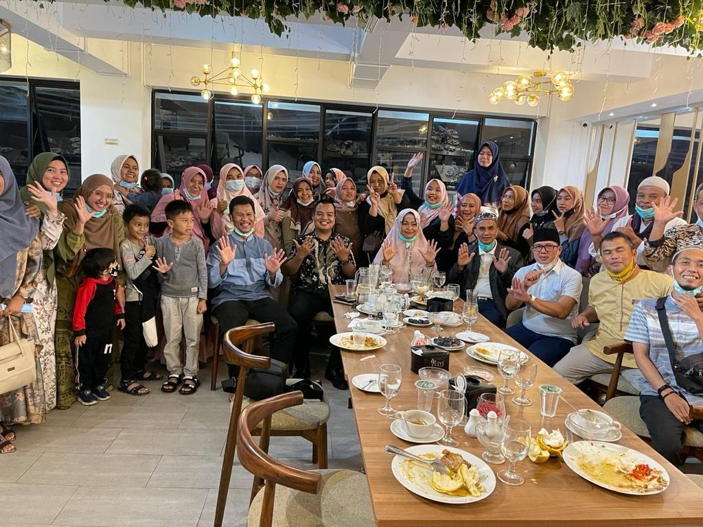 Edisi Buka Bersama Civitas Akademika Institut Kesehatan & SMK Kesehatan Prima Nusantara Bukittinggi